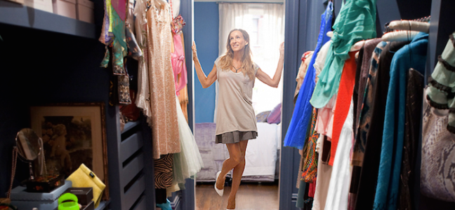 1426612691-carrie-bradshaw-spring-cleaning.png