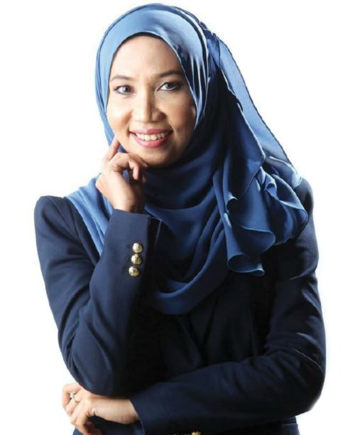 Emi Idura Profile with Harian Metro.jpg